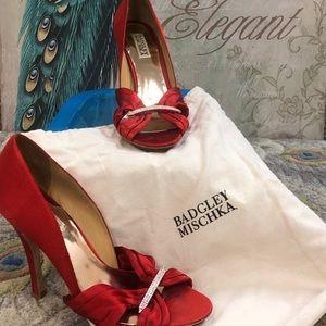 Red Badgley Mischka heels with bag